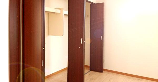 折れ戸の特徴